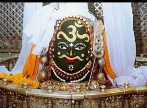 गंगा किनारे मंदिर तेरा भूतो का तू स्वामी है भजन लिरिक्स